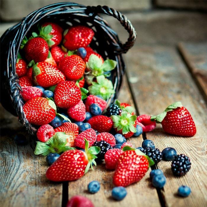 лесные ягоды в брызгах картинка игру секунду