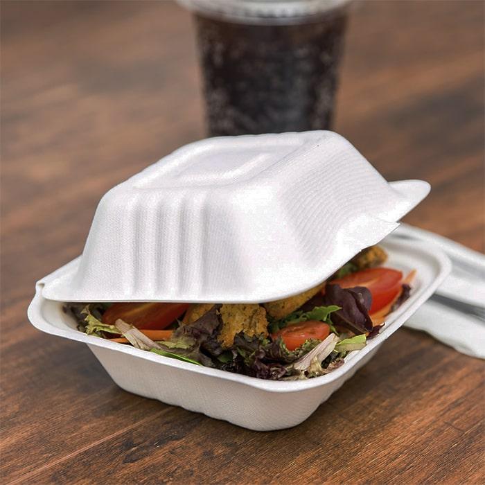 контейнер для гамбургера из сахарного тростника, белый, наполненный едой